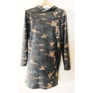 Tresics camo hoodie dress small